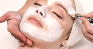 Not every person is aware of the fact that the skin care recipe ingredients are available in the fridge. Here are a few tips about how to make a facial mask.