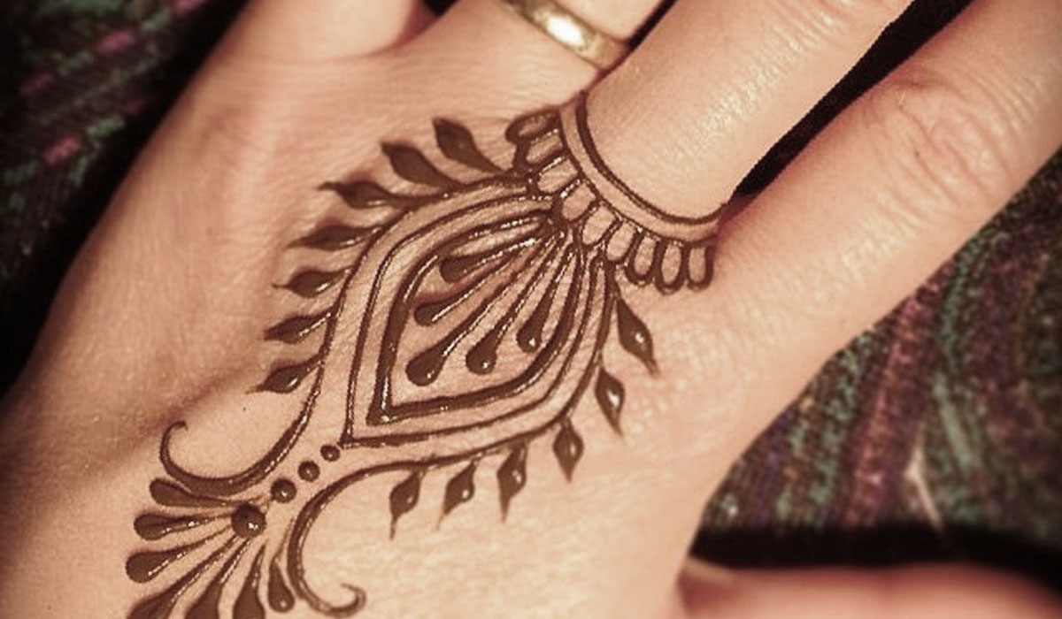 Special Mehndi Design for Girls